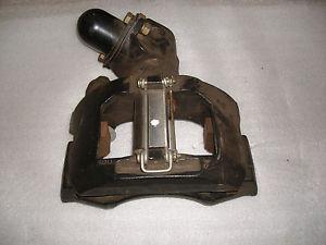 Brzdový strmeň pravý predný EUROCARGO 150E, 280E, 320E, do 2001 (BENDIX ADB3700) www.tirshop.sk Repasovaný diel